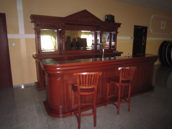 360 mahonie bar