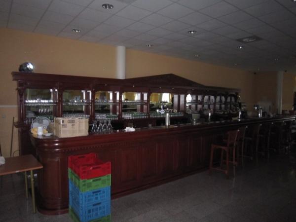 heel grote bar in Almere