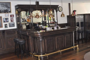 Bar in Notenkleur
