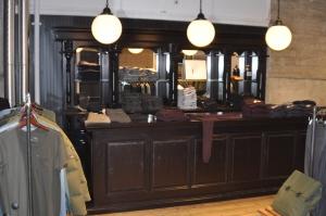 Bar met ronde lampen