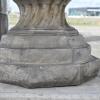 voet van de vaas met blaadjes B-02080