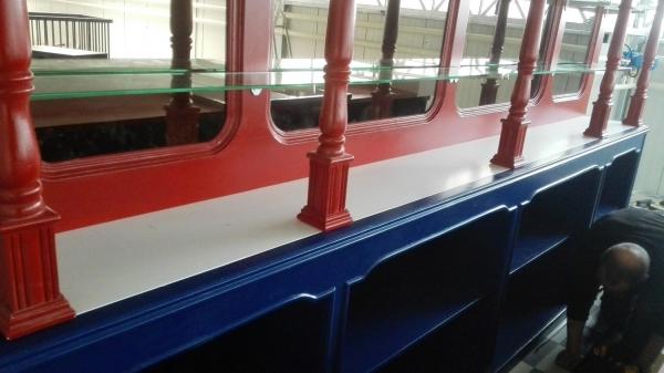 Mooi gekleurde bar in Rood-wit en blauw