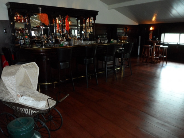 Huiscafé met Engelse bar