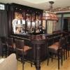 Bar met tapsysteem en tiffanylamp