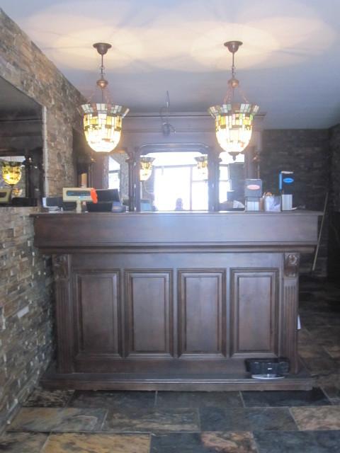 Tiffany lampen boven bar