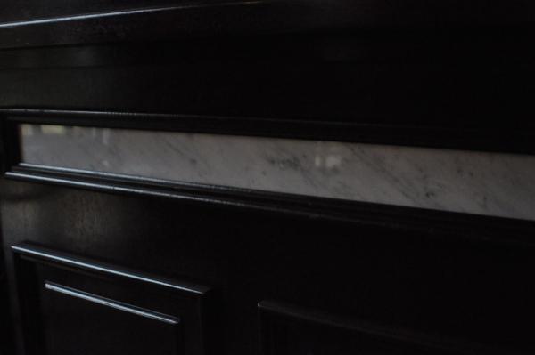 Marmer geeft een eeuwig mooi effect aan de bar