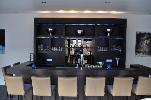 Vooraanzicht moderne bar