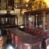 New York bar met statafels op de hoeken
